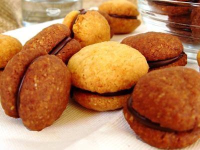 песочное печенье с прослойкой из шоколада