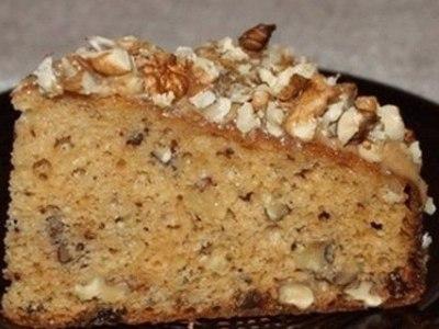простой пирог с грецкими орехамии сгущёнкой