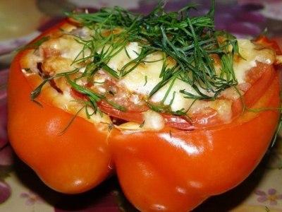 перец фаршированный мясом,фаршем, помидорами