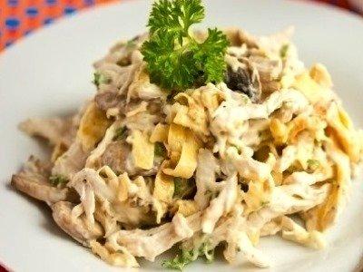 салат с омлетом и курицей, рецепт