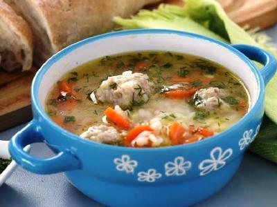 суп с фрикадельками из индейки с рисом