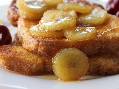 Тосты с бананом и карамелью