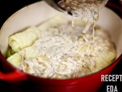 голубцы в духовке в сметанном соусе