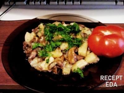 Как вкусно приготовить опята со сметаной и луком