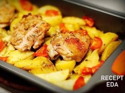 картофель с курицей, маринованной в кефире, в духовке