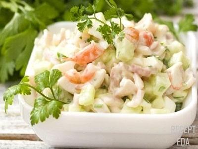 крабовый салат с креветками и кальмаром