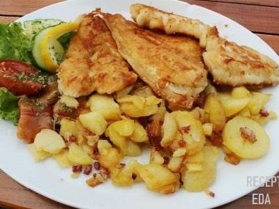 куриное филе с картофелем на сковороде