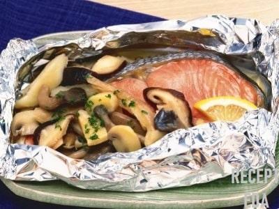 лосось в духовке в фольге с грибами