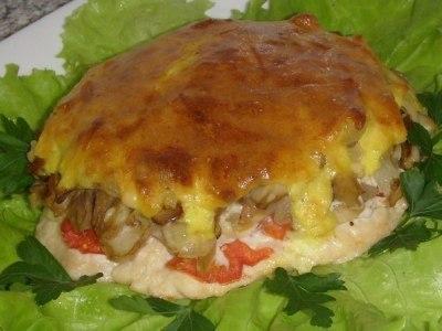 Мясо, запеченное с грибами и сыром в духовке