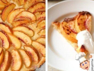 Открытый быстрый песочный пирог с персиками