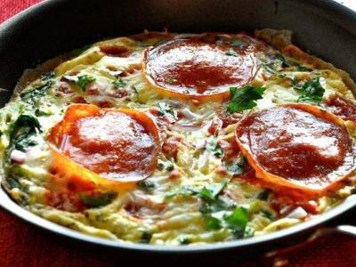 Омлет с брокколи и сыром на сковороде