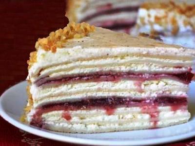 Блинный торт с творожным кремом и вишней