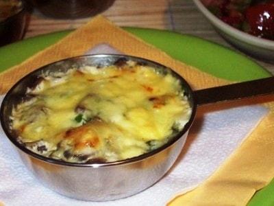Куриный жульен с грибами, кулинарный рецепт