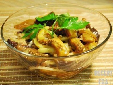 салат из баклажанов по-корейски с курицей