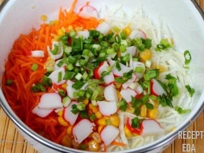 салат из крабовых палочек с капустой белокочанной