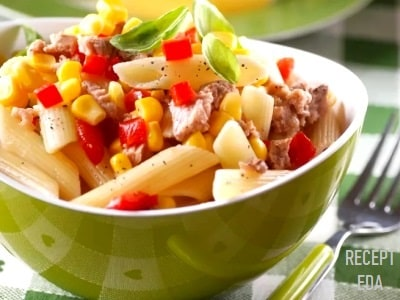 салат из макарон и тунца и кукурузы