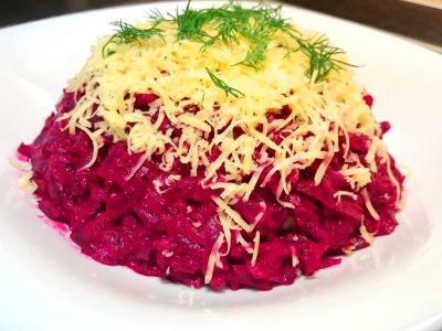 салат из свеклы вареной с чесноком и сыром