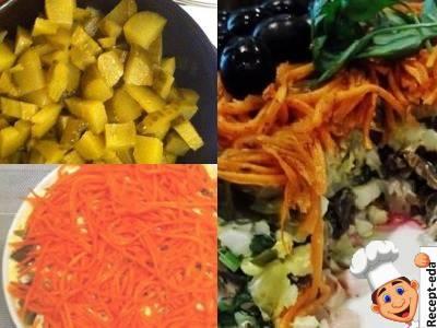 салат с корейской морковью и копченой курицей и грибами