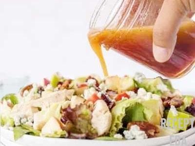 салат с вареной курицей и сыром