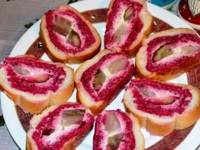 Салат селедка под шубой в батоне