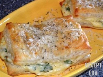 слойки с творогом и сыром