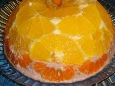 Торт без выпечки из творога, сметаны и фруктов