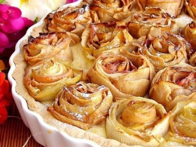 яблочный пирог розочки