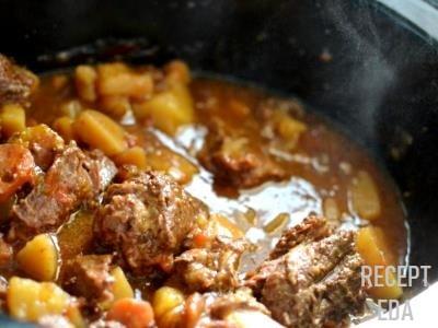 жаркое из говядины с картошкой в мультиварке